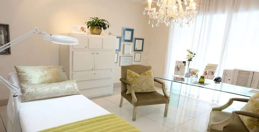 Skin Renewal Parkhurst Doctor room