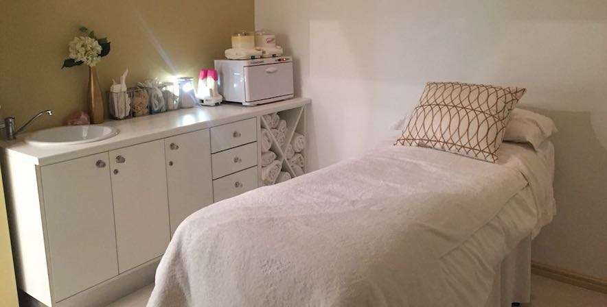 Skin Renewal Stellenbosch Aesthetic and Laser treatment room die boord